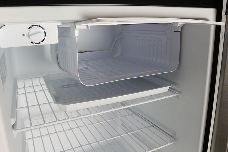 REF 160 R-44SS - Defrost Refrigerator Stainless - Capacity 4.4 cu.ft